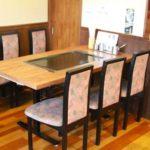 テーブル席も座敷もあります